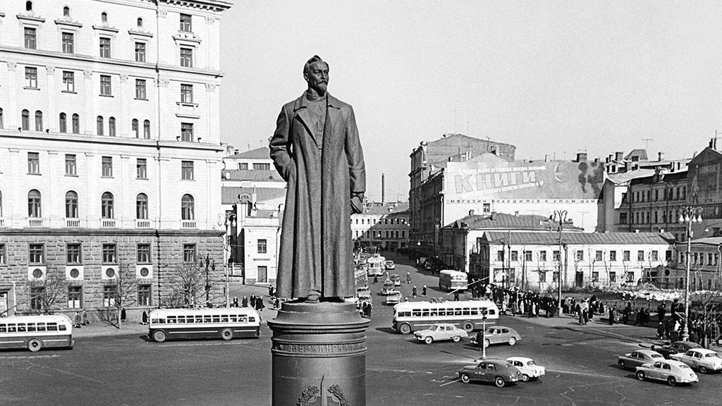 11 сентября [30 августа] 1877 года родился Ф.Э.Дзержинский. Жизнь Ф.Э.Дзержинского