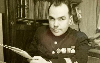 21 декабря 1900 года родился Вишневский Всеволод Витальевич, советский писатель.