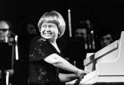 9 ноября 1929 года родилась Пахмутова Александра Николаевна, советский композитор, заслуженный деятель искусств РСФСР