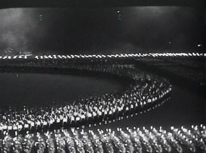 Что такое фашизм? Обыкновенный фашизм.