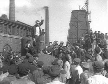 Памяти Леонида Захаровича Тра́уберга, советского кинорежиссёра и сценариста. Возвращение Максима