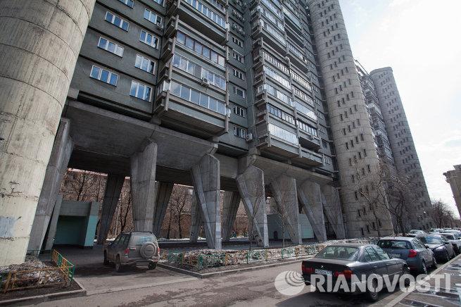 В 1970 году проектировавшие здание архитекторы под руководством а д меерсона воспользовались давнишней схемой