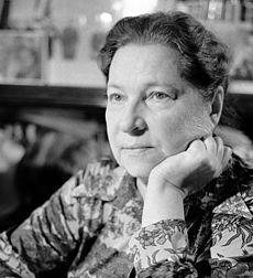 Барто Агния Львовна — советская детская поэтесса, писательница, киносценаристка, радиоведущая.
